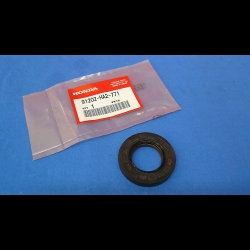 HONDA TRX ATC 250R OEM MAIN CRANKSHAFT OIL SEAL STATOR SIDE
