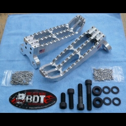 YAMAHA 2009-16 YFZ450R BDT MOTORSPORTS BILLET FOOT PEG SET CLEAT DESIGN